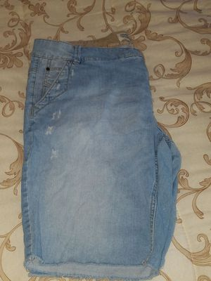 Shorts size 18 for Sale in Moreno Valley, CA