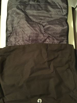 Calvin Klein carry messenger bag with shoulder strap for Sale in Homestead, FL