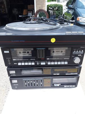 LXI stereo system/ speakers for Sale in Gahanna, OH