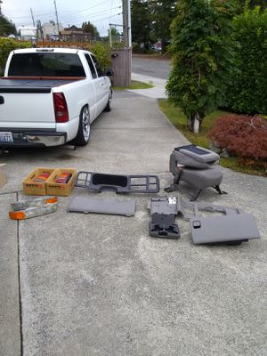 1999-2006 CHEVY / GMC - TRUCK & SUV - INTERIOR PARTS • EXCELLENT CONDITION for Sale in Tukwila, WA