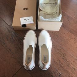 UGG Shoes, Size 6 for Sale in Norman,  OK