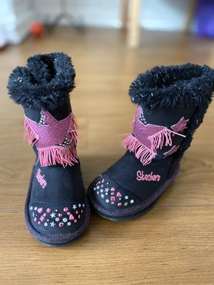 Skechers light up girl snow boots, size 6 for Sale in Irvine, CA