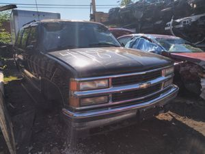 95 Chevy Tahoe in for parts only. Cash Only , You Pull it. for Sale in Temple Hills, MD