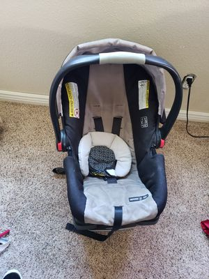 GRACO carseat for Sale in Denver, CO