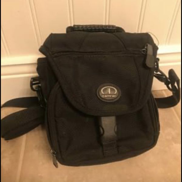 Camera Bag/Carrying Case-Like new!