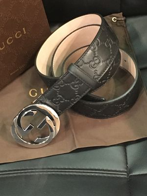 Gucci leather belt for Sale in Brooklyn, NY