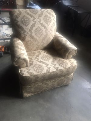 Broyhill Chair for Sale in High Point, NC