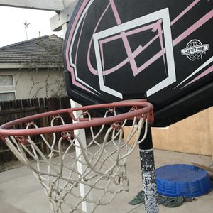 "Lifetime Youth 32"" Portable Basketball Hoop for Sale in Bakersfield, CA"