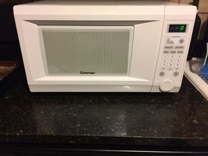 Microwave criterion size 20x13 like new for Sale in Bloomingdale, IL