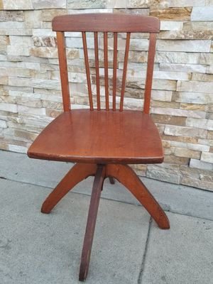 Antique chair for Sale in Long Beach, CA