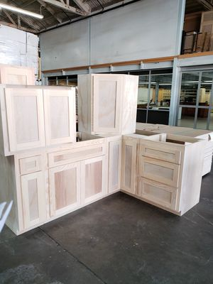 Kitchen cabinets ! All 3/4 plywood NO PARTICLEBOARD for Sale in Los Angeles, CA