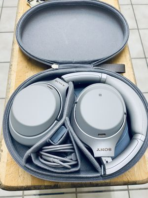 Sony headphones wireless for Sale in Chicago, IL