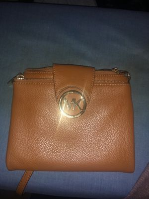 Michael Kors Leather Messenger bag for Sale in Bowie, MD