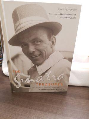 Frank Sintatra Hardcover Book like new for Sale in Menifee, CA