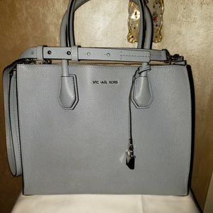 Michael Kors Purse for Sale in Bakersfield, CA