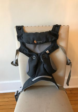 360 egobaby, lightly used with infant insert. for Sale in Los Angeles, CA