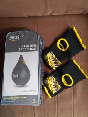 Speed bag and gloves for Sale in Woodinville, WA
