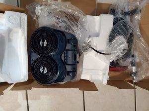 Ewbank floor scrubber & polisher for Sale in Chicago, IL