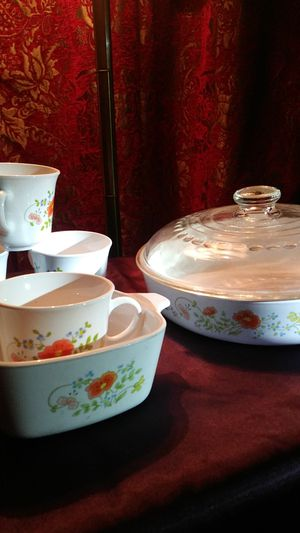 CorningWare skillet 4 cups one small dish for Sale in Bakersfield, CA