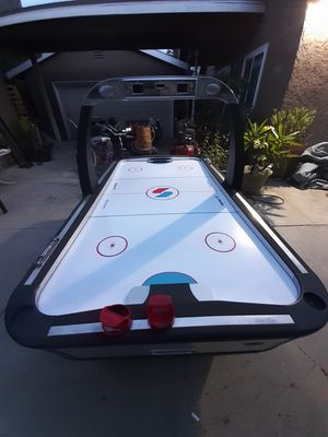 air hockey table, for Sale in South Gate, CA