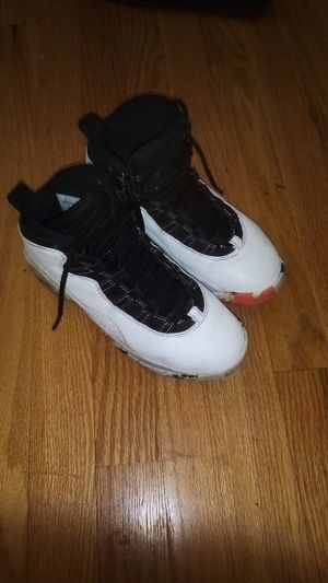 Jordan's size 4y for Sale in Fairview Heights, IL