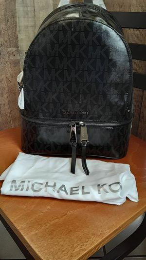 MICHAEL KORS BEAUTIFUL BACKPACK for Sale in Stockton, CA
