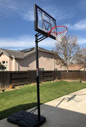 Basketball hoop for Sale in Madera, CA