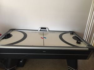 Air hockey table with minor scratch- MUST MOVE for Sale in Fort Lauderdale, FL