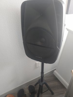 Speaker bluetooth on tripod stand for Sale in Denver, CO