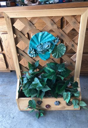 Lattice Frog Planter for Sale in Edgewood, WA