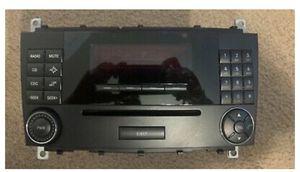 Mercedes 05 c230 komp cd/radio like new for Sale in Albuquerque, NM