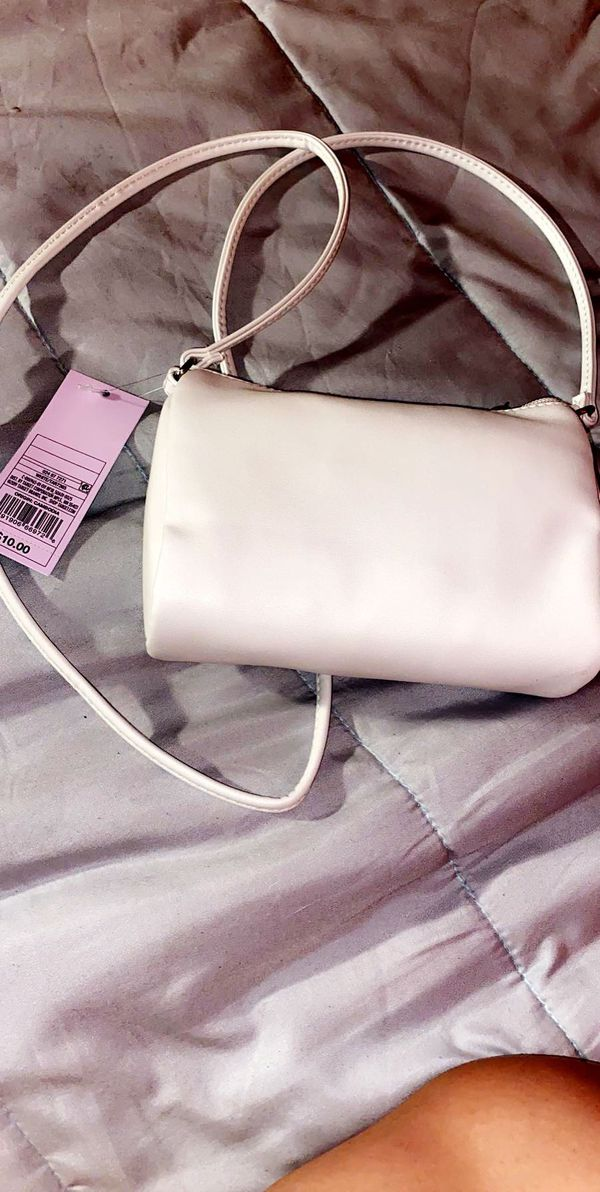 Brand new lil cute side white purse 10$