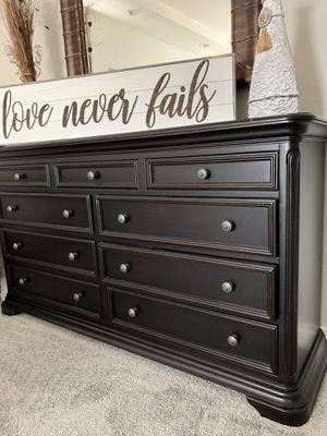 Black bedroom set for Sale in Pleasanton, CA