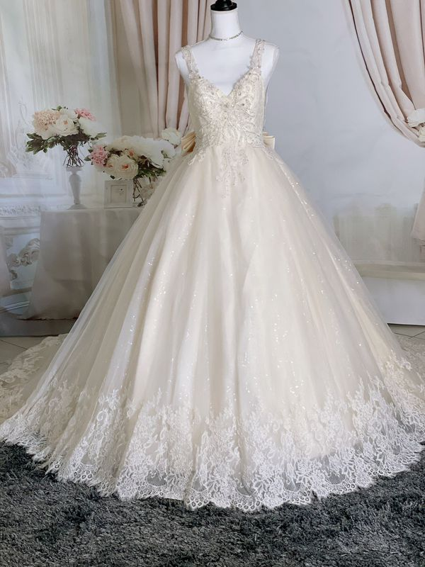 Luxury beaded lace embroidery V neck wedding dress with bow&open back/ Quinceanera&Sweet 16 dress