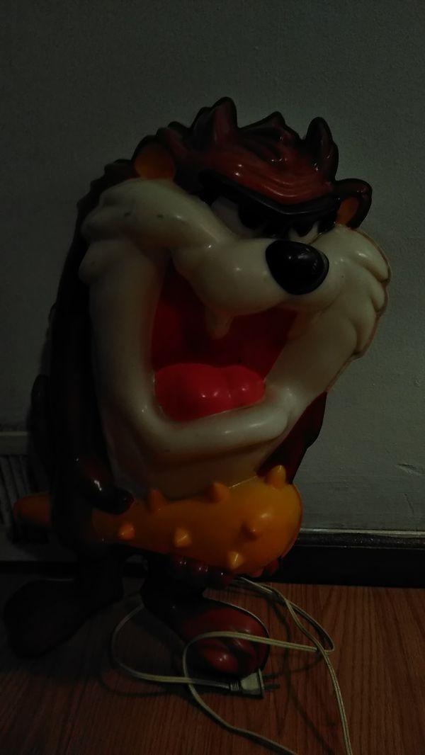 Tasmanian devil wall lamp.