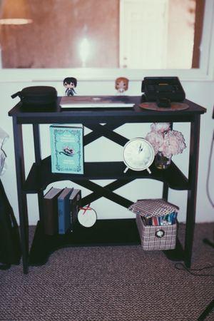 Cute Desk 🌑 for Sale in Los Nietos, CA