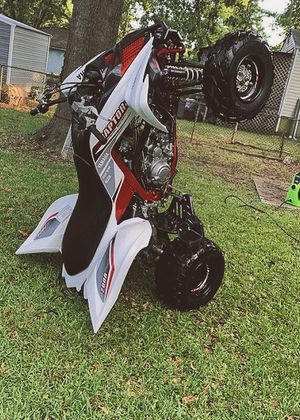 1000$ URGENT!For sale 2010 Yamaha Raptor,Very clean.Clean tittle Runs and drives great.,no issues!Clean title! for Sale in Long Beach, CA