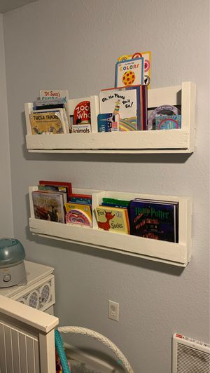 Pallet Bookshelves for Sale in Tacoma, WA
