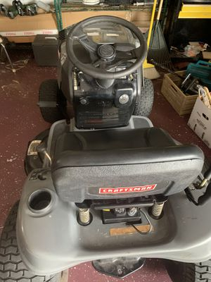 Lawn mower tractor for Sale in Tampa, FL