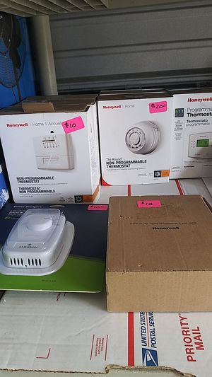 Thermostats programmable non-programmable starting at 10 for Sale in Chula Vista, CA