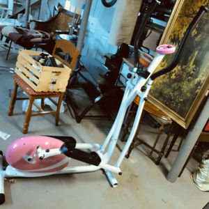 Sunny Health and Fitness Pink Magnetic Elliptical Trainer for Sale in Belmont, MA