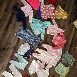 Lot Baby Girl Clothes 6-18 Months for Sale in Phoenix, AZ
