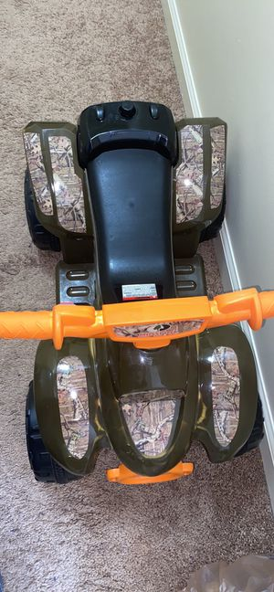 Kid Trax 6v Mossy Oak 4x4 quad for Sale in Lexington, KY