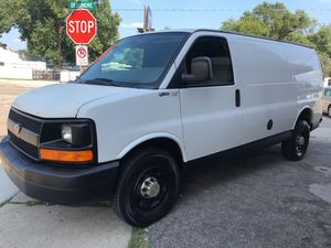 2007 Chevy express 179 Thousand miles. Superclean work van. Brand new tires Green title Drive like new for Sale in Warren, MI