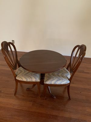 32 round Ethan Allen tea table solid wood with 2 chairs for Sale in Sun City Center, FL