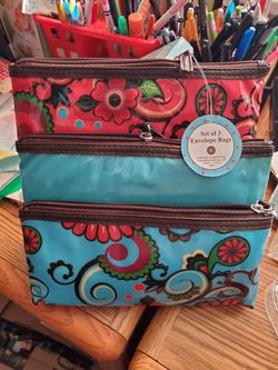 3pc make up bag for Sale in Wenatchee,  WA