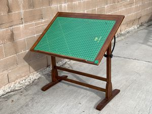Vintage Art Table, with Mat and Lamp for Sale in Los Angeles, CA