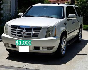 ❖Runs and Drive Perfect 2OO8 Cadillac Escalade $100o for Sale in Coral Gables, FL