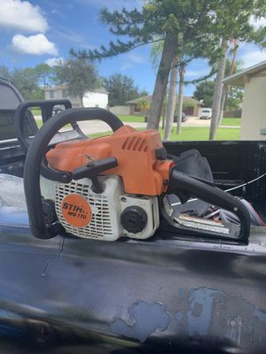 Stihl chainsaw carb need to be clean or it needs a new carb for Sale in Port St. Lucie, FL