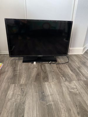 "40"" Samsung TV for Sale in Fontana, CA"